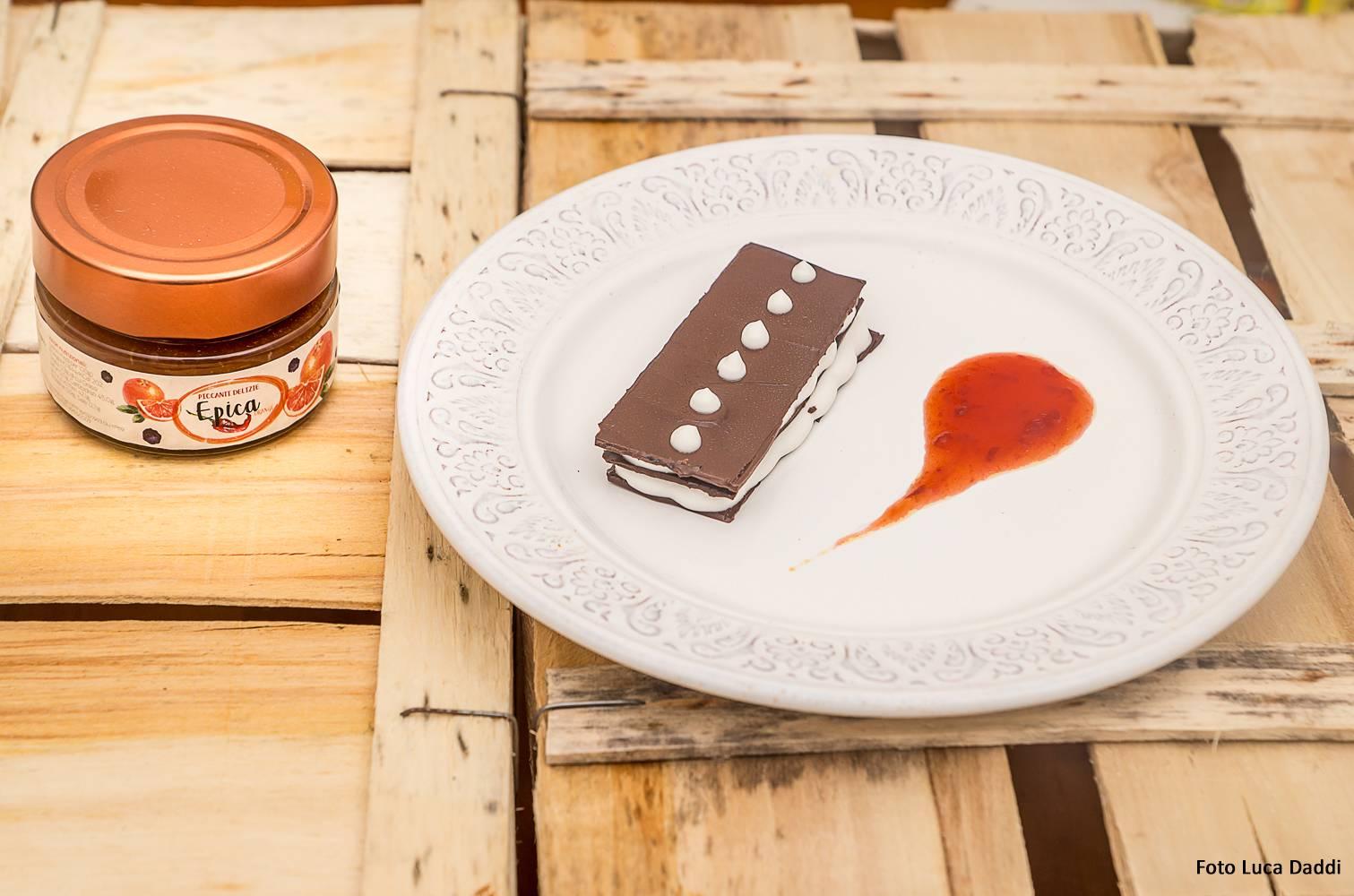 Cialde di cioccolato con mousse di ricotta vegetale con Epica Orange