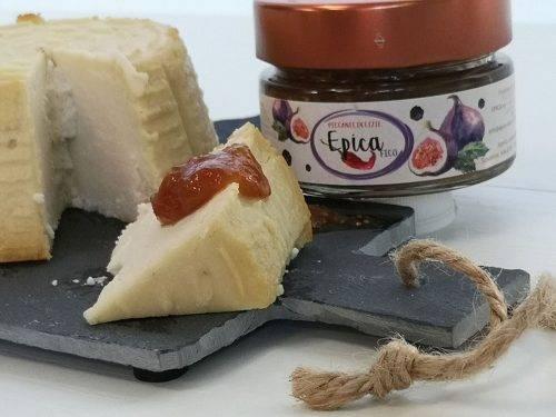 formaggio e marmellata piccante epica