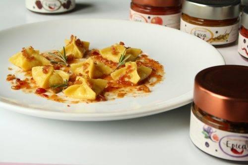 Piramidi di patate al rosmarino con marmellata Epica Fico