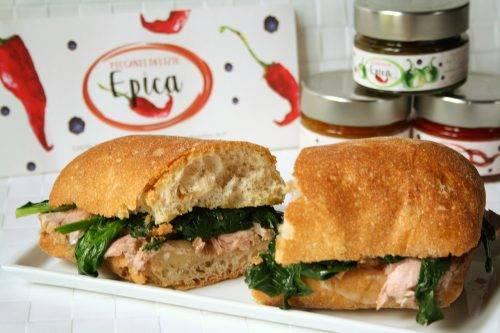 Ciabatta con spinacini freschi, filetto di maiale e Epica Green